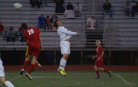Men's Varsity soccer beats Romeo in narrow victory, 1-0