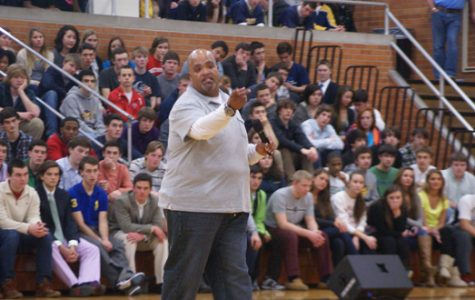 Video: Motivational speaker Reggie Dabbs' performance