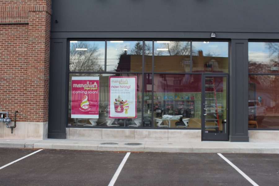 Menchie%27s+will+open+in+late+March+or+early+April%2C+and+it+will+be+self-serve+frozen+yogurt.