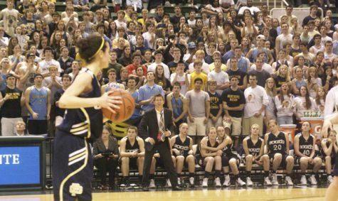 Girls basketball beats Ann Arbor Huron 44-41, heads to championship game