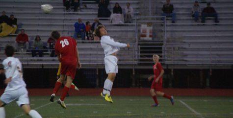 Men's Varsity soccer beats Romeo in narrow victory, 1-0