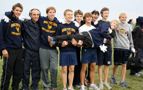 Boys cross country places 3rd in regionals, advances to states