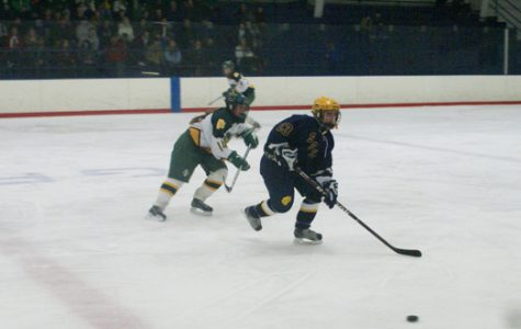 Girls hockey pulls ahead late to beat North, 3-2