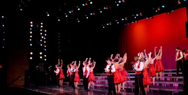 Review%3A+Choir+starts+the+year+on+a+high+note+with+fantastic+%27Fall+Follies%27+performance+