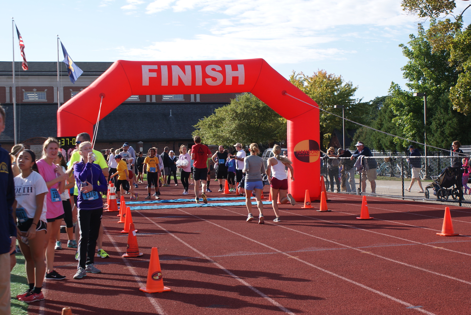 Students race to the finish line. Photo taken by Bianca Pugliesi '19.