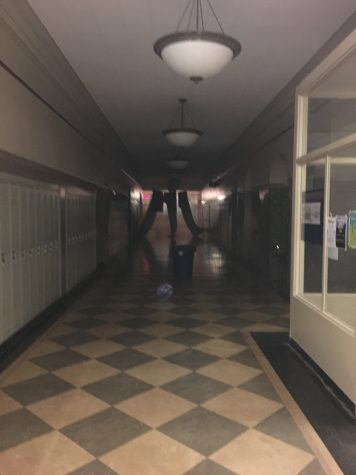 Class of 2018 turns main building into laser tag arena