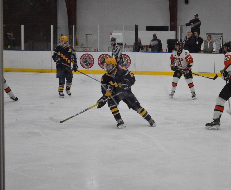 South's boys varsity hockey team suffered a 6-4 loss March 4, ending their season. Photo by Olivia Mlynarek '19.
