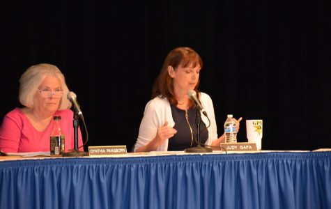 School board members Judy Gafa and Cynthia Pangborn at the May 22 School Board Meeting.