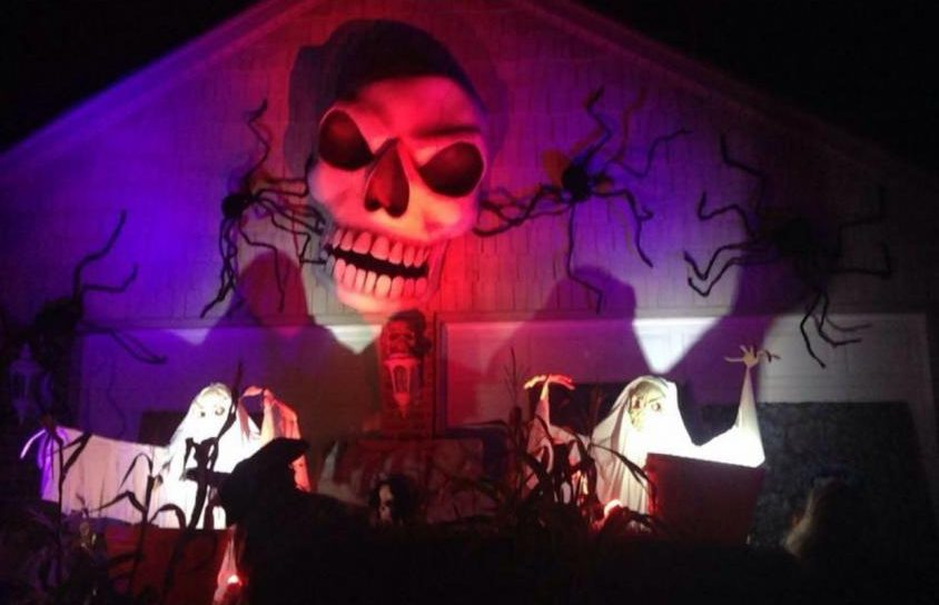 One of the many spooky attractions at the Haunted Garage on Mack Ave in Grosse Pointe Farms. Photo by Tara Cole '21.