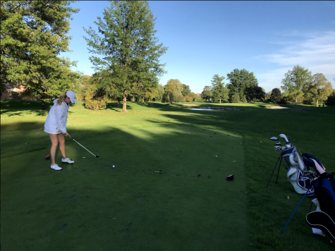 Fore! Girls golf team 'swings' their way into golf states