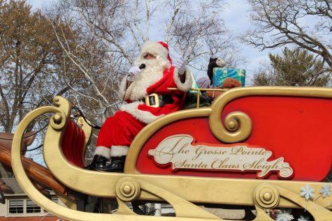 Santa comes early: Grosse Pointe Parade sneak peek