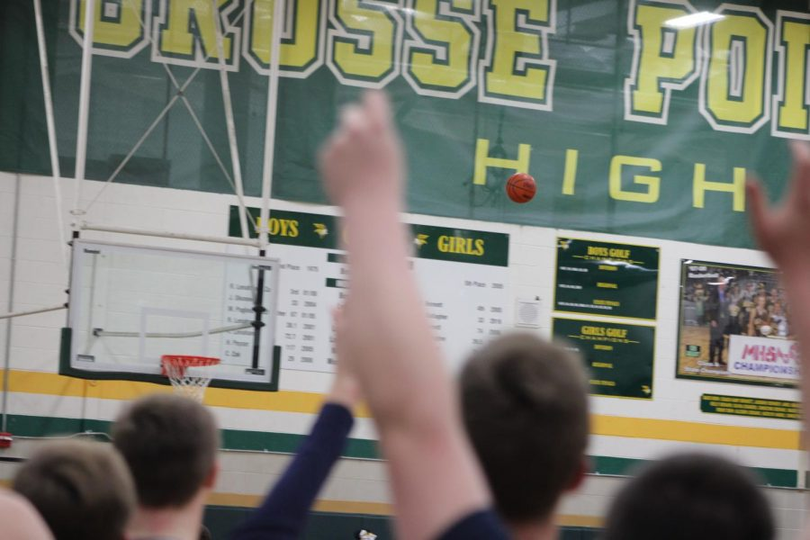 +The+Boys+Varsity+Basketball+played+their+hometown+rival%2C+Grosse+Pointe+North%2C+Friday%2C+Jan+3+at+North+with+the+support+of+one+of+the+largest+student+sections+ever+seen+at+a+North+vs.+South+basketball+game.